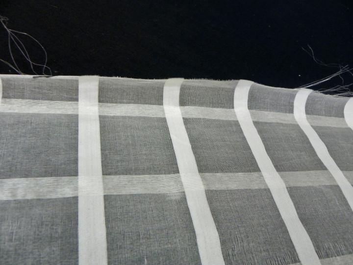 beyaz-kareli-odemis-ipegi